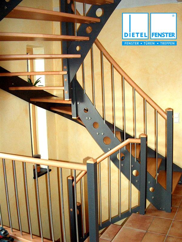 stahl holz treppe wo frher die klassische holztreppe. Black Bedroom Furniture Sets. Home Design Ideas